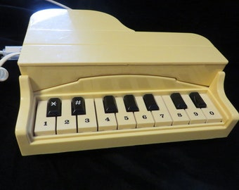 Phone PIANO - In Working Order (Tested) // Shape of Grand Piano // Gift for Pianist or Music Lover // Off White Land Line Phone Vintage