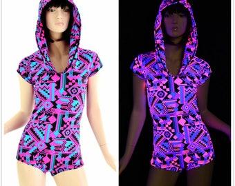 Neon Pink & Black Aztec Geometric Print Cap Sleeve Romper w/Self-Lined Hood UV Glow Rave Festival Burning Man - E7916