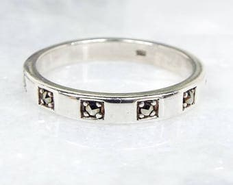 Vintage / Art Deco Style Sterling Silver Studded Marcasite Band Ring / Size O 1/2