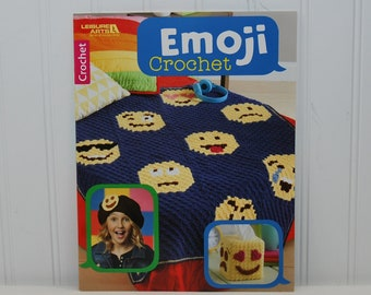 Leisure Arts Emoji Crochet Paperback Booklet (c. 2017) Crocheted Gifts, Emoticons, Crochet Blanket, Face, Organizer, Beanie, Scarf