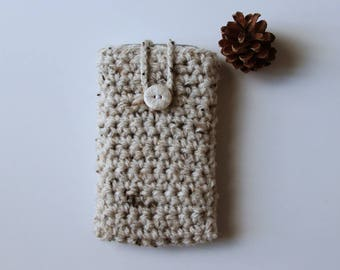 Case for smartphone beige + polymer clay snowflake button