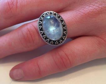 Vintage 925 Sterling Silver Rainbow Moonstone Bali Style Ring Size 6 - Rainbow Moonstone Ring - Bali Style Rainbow Moonstone Ring