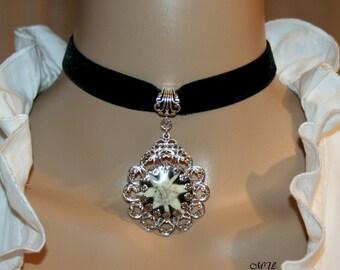 Velvet-choker-black-Natural Edelweiss pendant