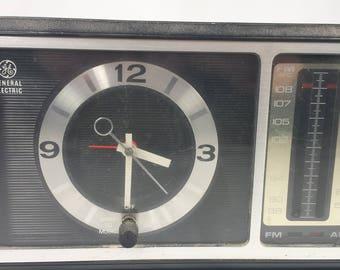 Vintage General Electric Clock Radio Model No 7-4501 Retro Mid Century Modern