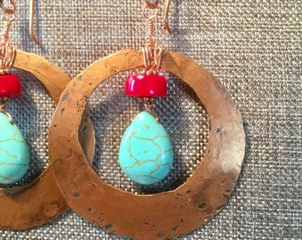 Turquoise Howlite, coral and hammered copper Boho chic, earrings
