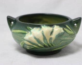 Roseville Art Pottery Freesia 6-S Sugar Bowl in Green
