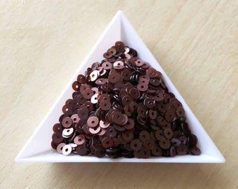 Sequin satin chocolate 4 mm in bulk