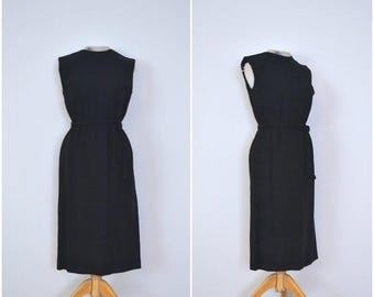summer sale // 20% off // 1950s simple sleeveless black dress // classic fifties fitted lbd // medium