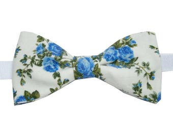 Bow tie white blue flowers with straight edges