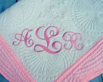 Personalized baby Quilt, Quilt, Baby Quilt, Personalized Quilt, Monogrammed Quilt, Baby Blanket, Crib Blanket, Baby Gift, Throws.