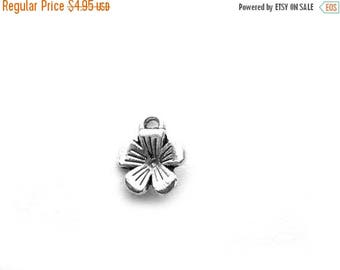 HALF PRICE 50 Silver FlowerCharms - 10mm Bulk Pack