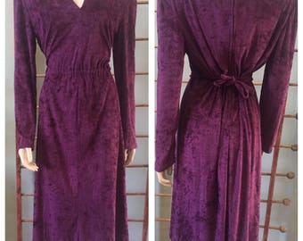 Fun 70's Purple Velour dress / adjustable size / Large