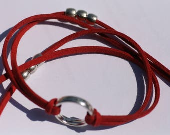 Three rounds Burgundy Red Suede, ring and pearl bracelet silver