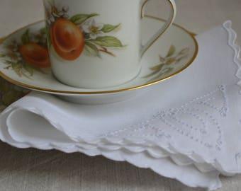 Set of 4 vintage embroidered Irish Linen tea napkins 1920s