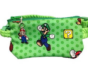 Insulin Pump Pouch Mario with matching zip charm.