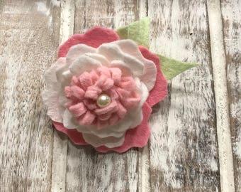 Felt floral clip