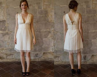Short chiffon wedding dress/ V neck wedding dress/ Simple short wedding dress/ Beach wedding dress/ boho/ Robe de mariée mousseline courte