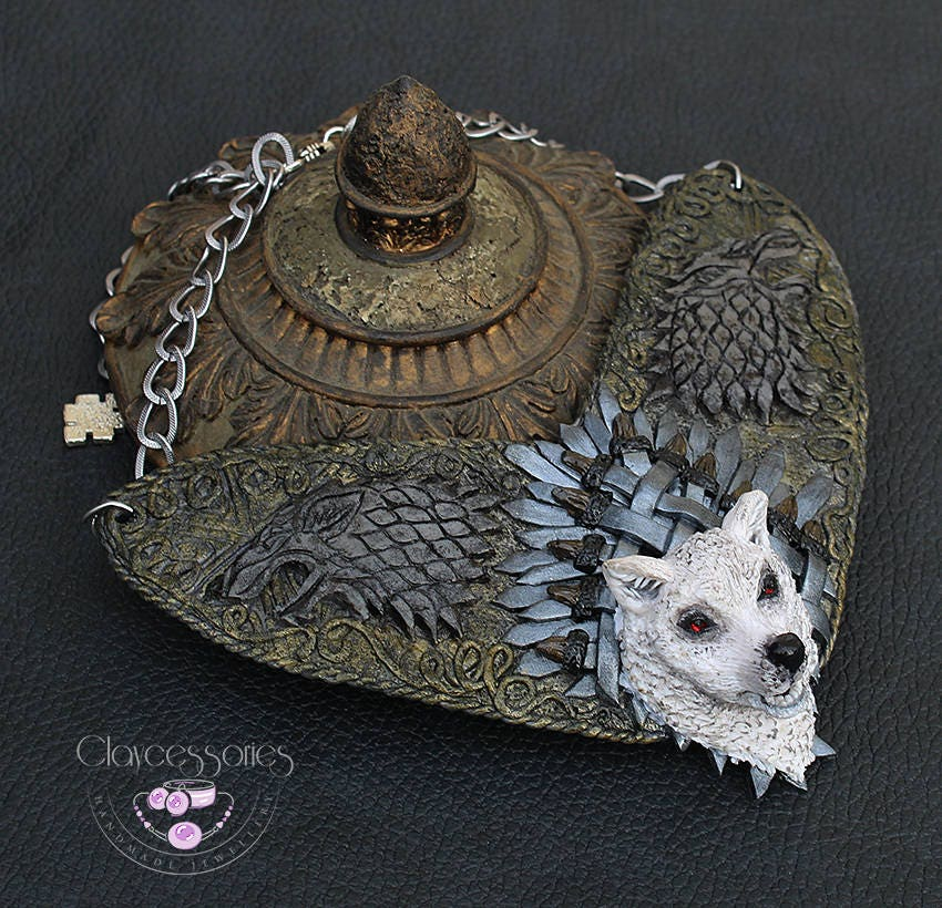 Wolf necklace / Game of Thrones necklace /  Medieval necklace / Statement necklace / Animal necklace / Bib necklace / Polymer clay necklace