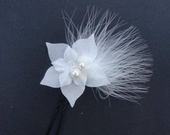 Silk flower bridal fascinator, wedding pic, feathers, Bridal hair accessory