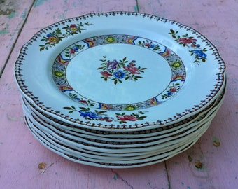 "Vintage set of Copeland Spode plates in ""Spode's Nigel"" pattern in mint condition."