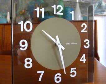Mod, space age acrylic Seth Thomas Visionette Clock  Mid Century