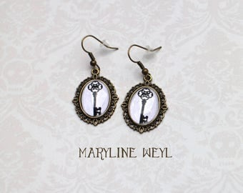 key Cabochon earrings