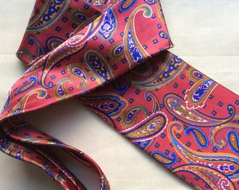 Vintage handmade silk necktie by Gold City, Deadstock from Gentleman's Outfitters.