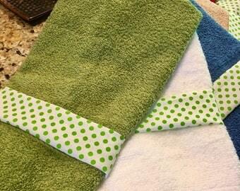 Green Hand Towel, Quest House Towel, Bathroom Hand Towel, Kitchen Towel, Dish Towel, Decorated Hand Towel, Bridesmaid Gift,
