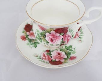 Vintage Royal London collection fine bone China Cup and saucer Set////Golden edge//flowers//Hightea//tea cup//flea market//antique