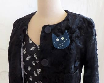Brooch/pin 2 in 1 Meow blue wool felt