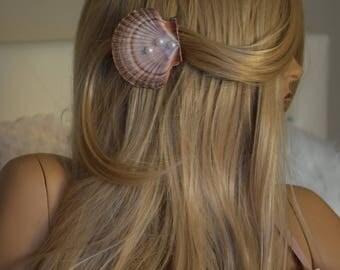 Seashell hair clip,mermaid hair clip, mermaid hair accessories, under the sea barrettes, hand painted seashell with green limpits and pearl