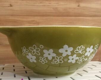 Vintage Pyrex Spring Blossom 442 Cinderella Mixing Bowl Crazy Daisy
