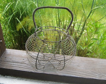 Wire Egg Basket, French Egg Basket, Vintage Wire Basket