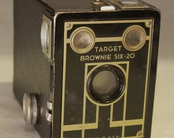 Kodak Brownie Target six-20 film Camera