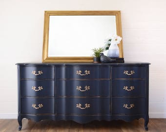 Navy Blue French Provincial 9 Drawer Dresser, Polished Brass Hardware, Shabby Chic Decor, French Country, Painted Furniture, Entry Way Table