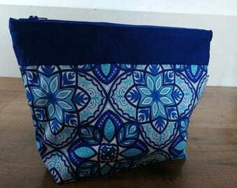 Blue tile flower projectbag.