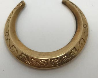 Single Only 1 Vintage Gold Hoop Earring Missing its ear-wire Intricate engraving    0.6 grams Marked 10K  Yellow  Gold  Without its ear-wire