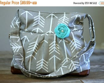 CHRISTMAS SALE Conceal Carry Purse, Medium Messenger Bag, Grey Arrow, Conceal Carry Handbag, Concealed Carry Purse, Conceal and Carry
