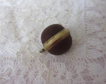 Antique Victorian Veil Fabric Button - brown fabric & brass - bouton ancien pour voile