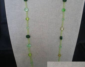 Parure005 - Green beads set of beads and sequins