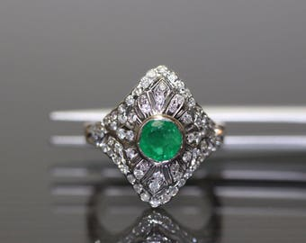 Vintage 18k Yellow Gold natural Colombian Emerald & Diamond Puffed ring 1.68ctw