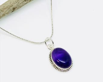 Amethyst Pendant/ necklaces set in Sterling silver 925. Natural authentic amethyst stone. Length - 1.05 inch long.