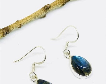 10% Labradorite, moonstone earring set in Sterling silver 925. Natural authentic stones. Perfectly matched stones.