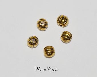 5 x antique gold metal beads