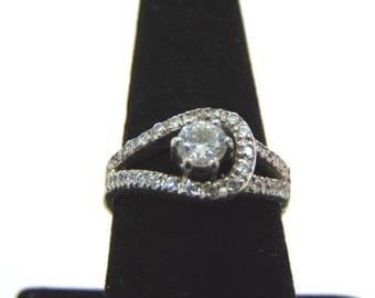 Womens Sterling Silver .925 Ring w/ CZ Stones 5.4g #E3284