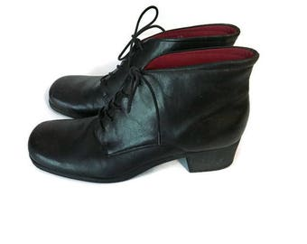 Vintage Lace Up boots lace up Oxford booties black leather high heel boots 1990s BOHO HIPSTER naturalizer womens size 9N
