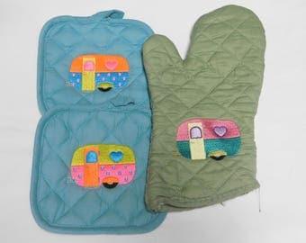 Embroidery Camper Pot Holder Set