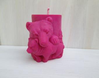 Candle bears fuchsia rapeseed wax