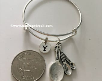 KIDS SIZE - Measuring spoons initial bangle, cooking jewelry, gift for baker, measuring spoons jewelry, baker bracelet, baking jewelry