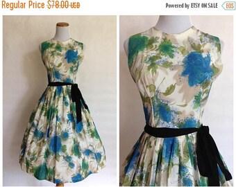 ON SALE 20% OFF 1950s Floral Dress   1950s Dress   Vintage 50s Floral Dress   1950s Small Dress   1950s xs dress   1950s Summer Dress   1950